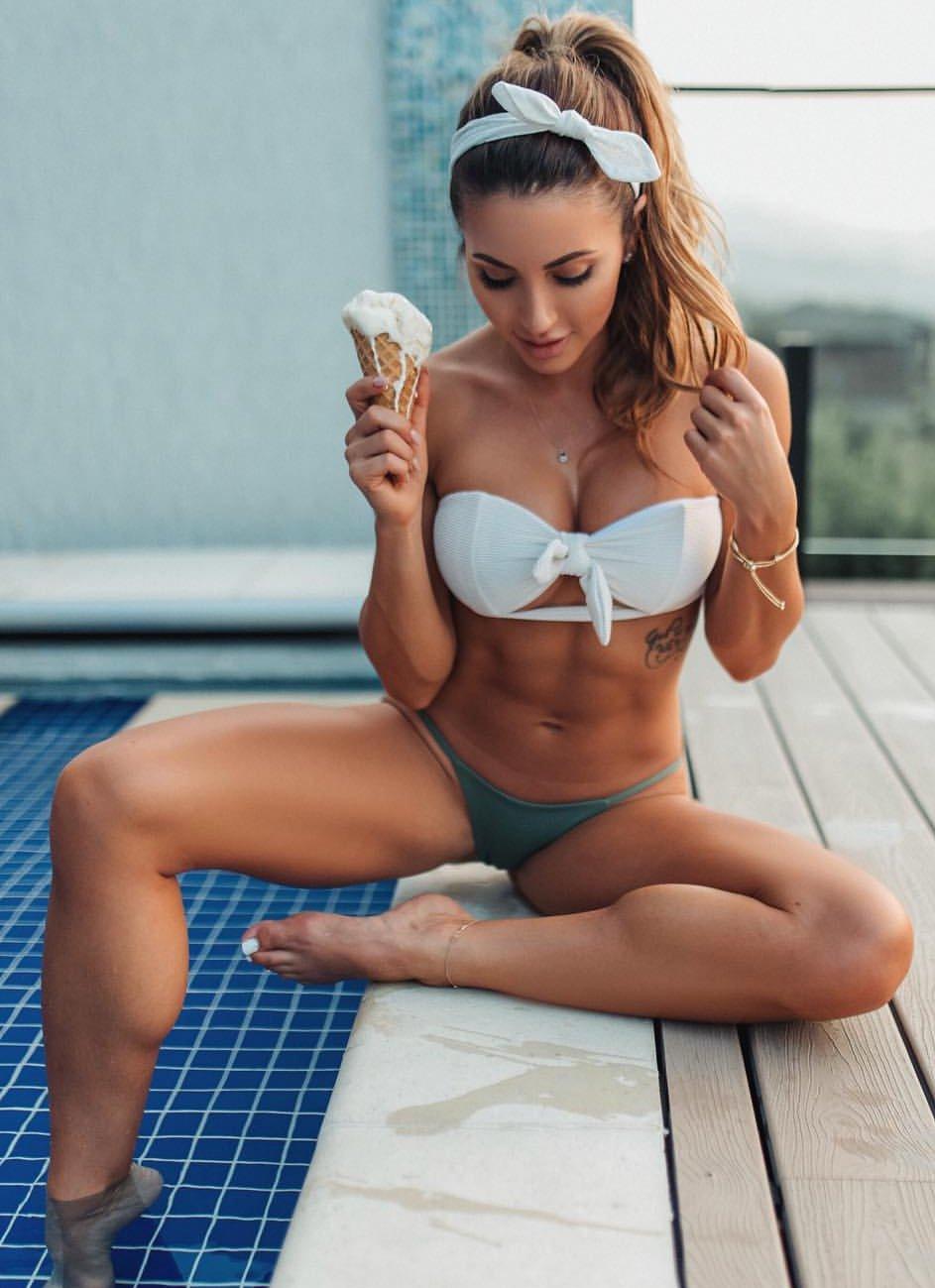 Feet Danielle Vaughan nude (49 photo), Sexy, Cleavage, Selfie, braless 2020