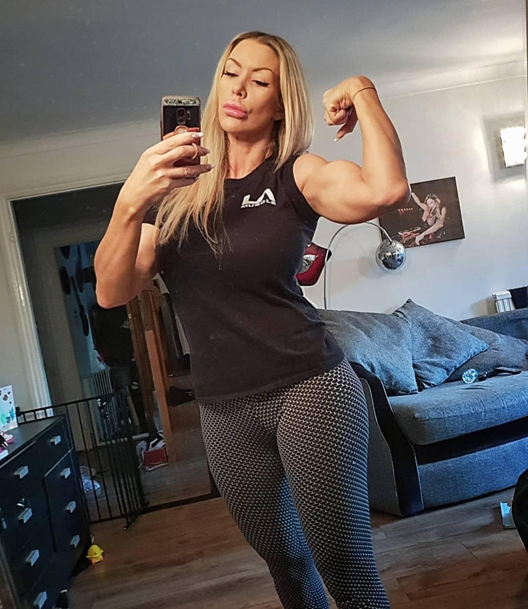 Tania amazon