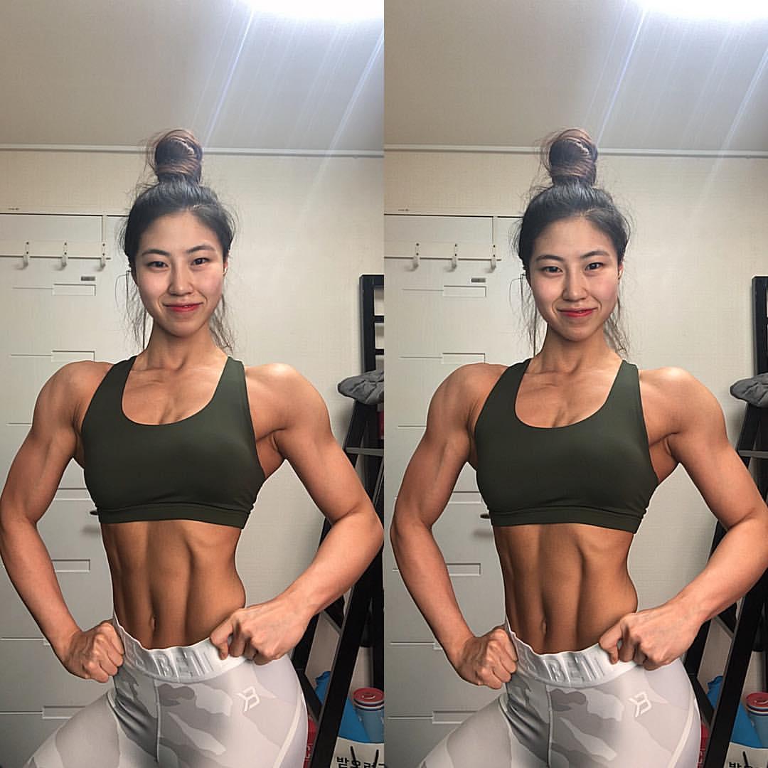 Jeong Myeong Gyeong Muscles (2 photos) - nsfwork.net