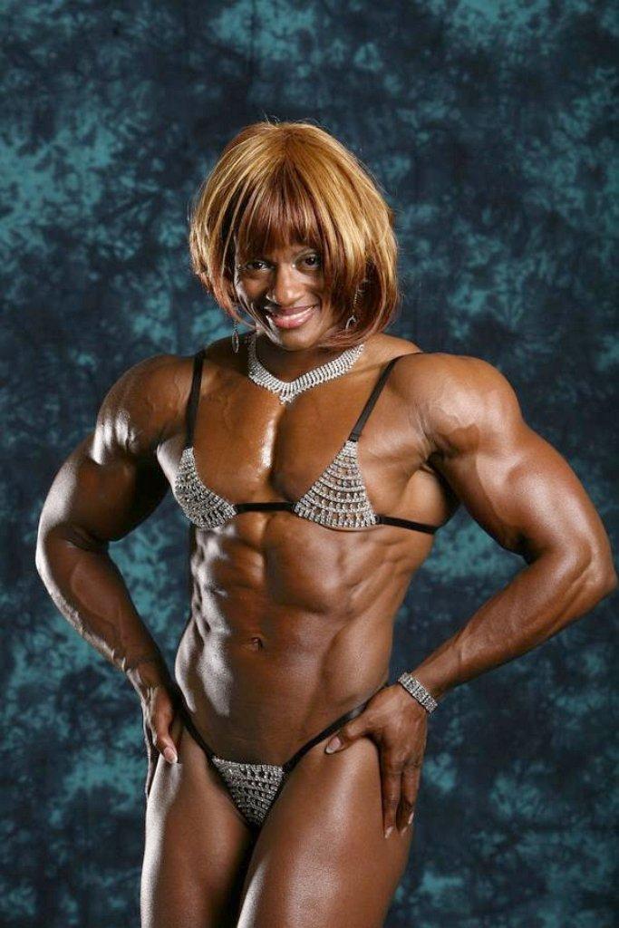 Rothaarige Verführerin mit tätowierten Körper, Monique Alexander gebohrt wird gut