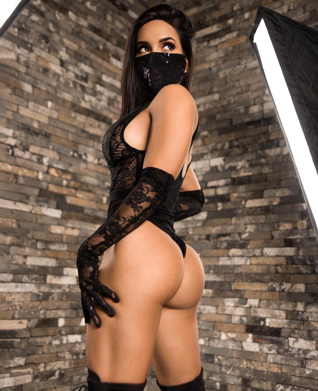 https://www.girlswithmuscle.com/images/full/1491965.jpg