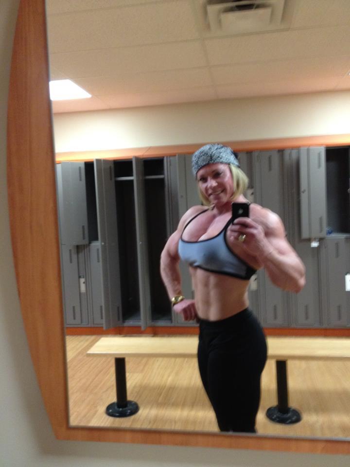 FABIOLA BOULANGER   Body building women, Fitness babes ...  Fabiola Boulanger Abs