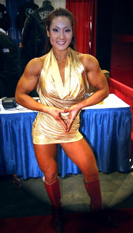 The Bigger the Better - Female Bodyduilders: Xin Li Cao