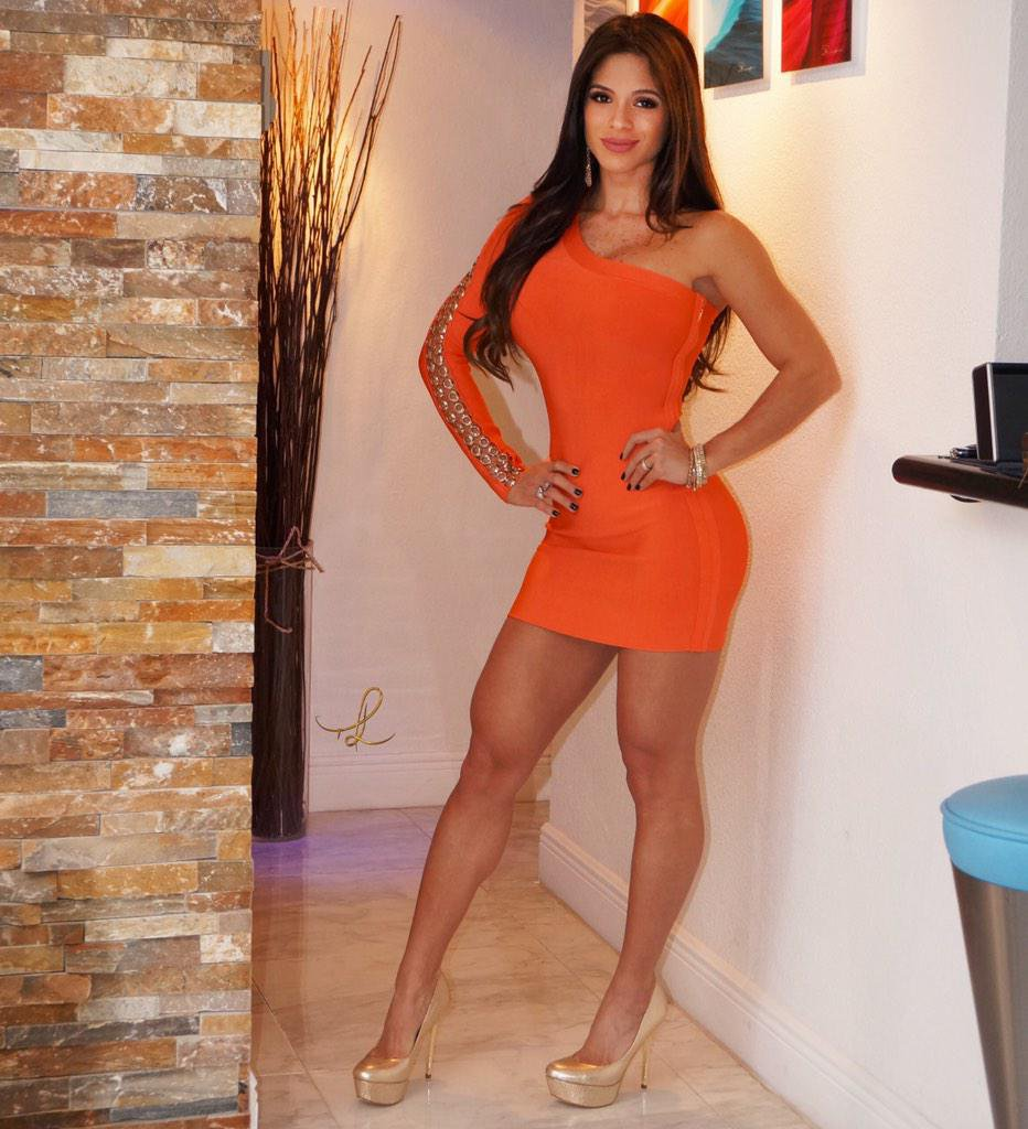 Vestido naranja y tanga ngra - 5 1