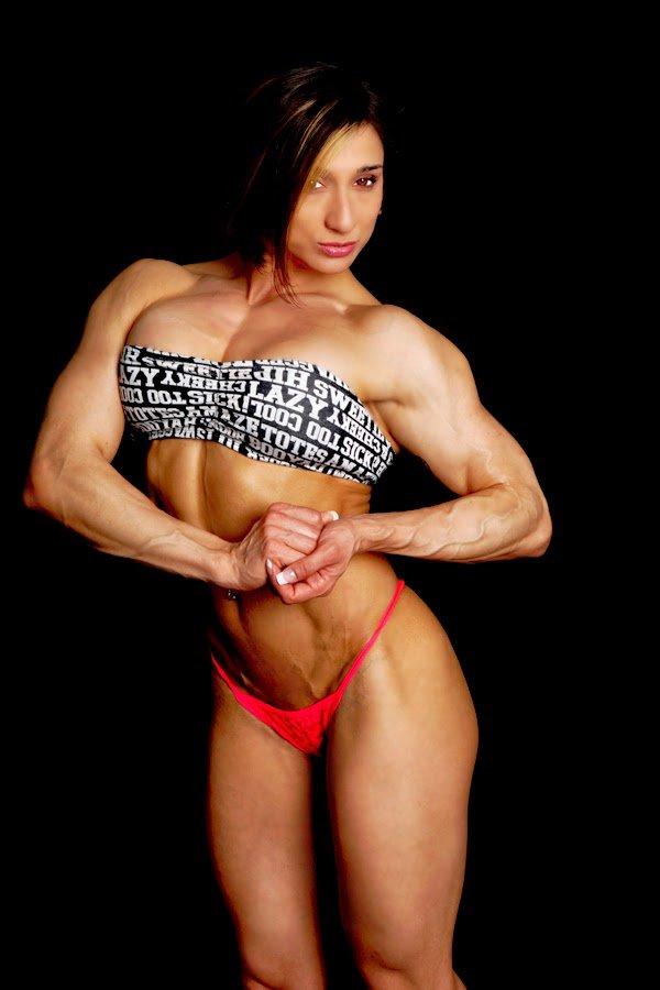 Karyn Bayres & Nacho Vidal & Nacho Vidal In Nacho's Bodybuilding Muscle-cougar