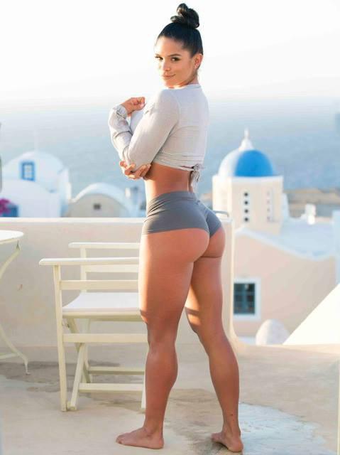 Michelle lewin ass