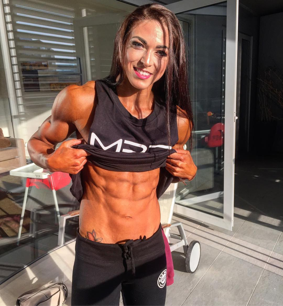 Nude girls with muscle